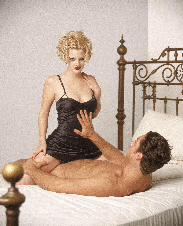 Drew Barrymore diz que gosta de fazer cenas de sexo