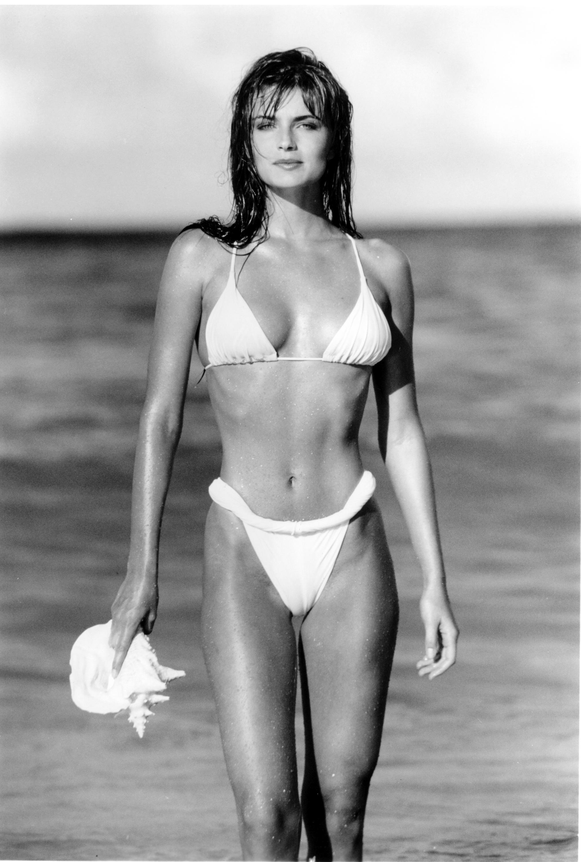 Polina paulina bikini boobs